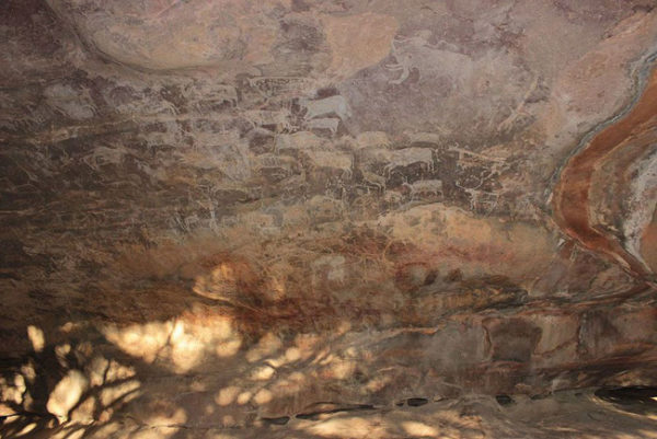 8-bheem-baithika-caves-paintings-cave-art-jpg-1000x0_q80_crop-smart